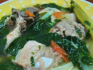 Pork ribs sinabawan sa kamatis - lutong bahay