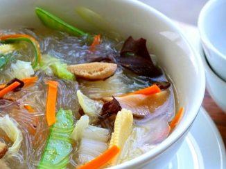 lutong bahay recipe-chicken sotanghon soup