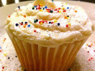 lutong-bahay-white-cupcakes-main
